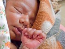 平安地休眠的婴孩 图库摄影