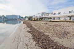 平安的塔拉曼卡海滩 库存照片