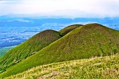 平安的火山三胞胎在日本 免版税库存照片