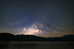 平安的繁星之夜天空背景 免版税库存照片