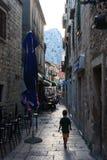 平安的街道, Omis 库存照片