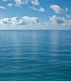 平安镇静的海洋 免版税库存照片