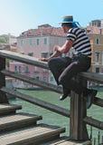 平底船的船夫威尼斯 免版税图库摄影