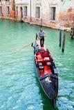 平底船的船夫威尼斯 库存图片