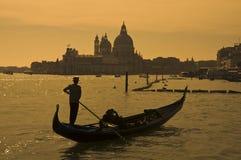 平底船的船夫意大利威尼斯 图库摄影