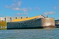 平底船诺亚在dordrecht荷兰 免版税库存照片