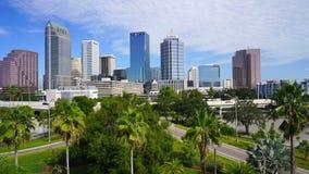 平底锅左到右空中透视坦帕街市的佛罗里达 股票录像