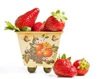 平底锅草莓 免版税库存照片