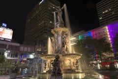 平方的喷泉 免版税图库摄影