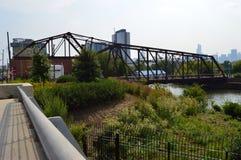 平旋桥 免版税图库摄影