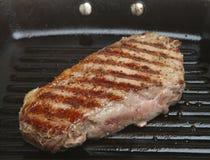 平板炉平底锅牛腰肉排 库存图片
