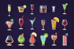 平的传染媒介设置了用不同的透明玻璃和鸡尾酒 刷新的夏天饮料 鲜美酒精饮料 库存例证