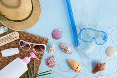 平的位置夏天海滩 免版税库存照片