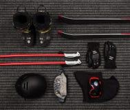 平的套极端体育的冬天设备 免版税库存照片