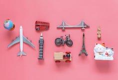 平的旅行背景概念的位置空中图象 台式竞争 库存图片