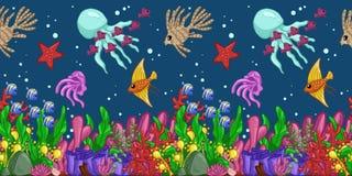 水平的无缝的样式与海洋生物:鱼、海星、水母、海草、壳、泡影和珊瑚 手凹道艺术 库存照片