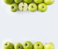 水平的无缝的背景用绿色苹果 库存图片