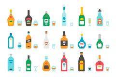 平的设计酒瓶和玻璃 免版税库存图片