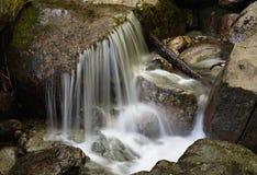 平稳的水瀑布 图库摄影