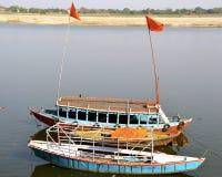 平行的小船 免版税库存照片
