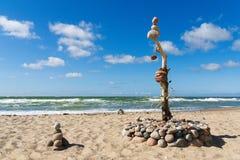 平衡和和谐的概念 夏天岩石禅宗 库存照片