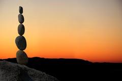 平衡堆岩石 免版税库存图片