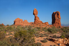 平衡岩石在曲拱国家公园 免版税库存图片