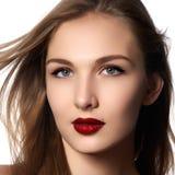 平衡方式头发haircare发型健康的美丽的秀丽化妆用品长期做模型发光的平直的健康妇女 胡子 免版税库存照片