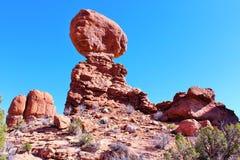 平衡的岩石,曲拱国家公园,默阿布ut 免版税图库摄影