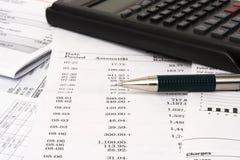 平衡的支票簿 免版税库存图片