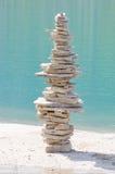 平衡的石头 免版税库存照片