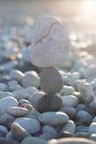 平衡的石头 库存图片