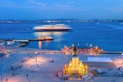 平衡里斯本堤防,巡航划线员 免版税图库摄影