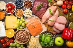 平衡饮食食物背景 免版税库存照片