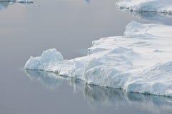 平静南极的场面 库存图片