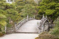 平静桥梁的日本式 免版税库存图片