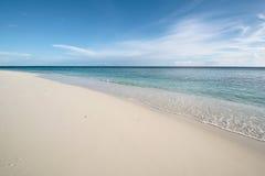 平静海岸海洋 免版税库存照片