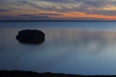 平静海湾 库存图片