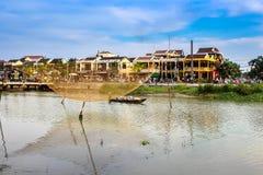 平静的会安市古镇在越南中部 库存照片