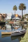 平静的午间在威尼斯运河历史的区,洛杉矶 免版税图库摄影