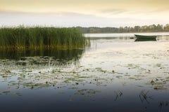 平静的场面, Elk湖, masuria区 库存照片