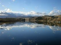 平静的弓河 库存照片