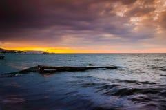 平静的海湾日落环境 免版税库存图片