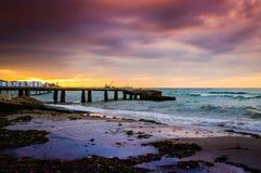平静的海湾日落环境 库存图片