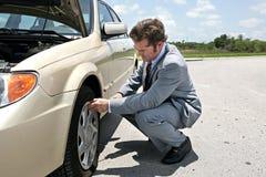 平面的不便的轮胎 免版税图库摄影