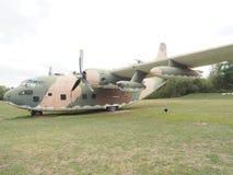 平面空军c-130飞行 免版税库存图片