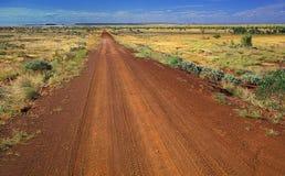 平直的乡下公路 免版税库存图片