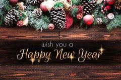2018年与雪和rea的新年快乐和圣诞快乐框架 库存照片