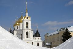 1507 1533年假定建立了大教堂年 克里姆林宫在Dmitrov,古镇在莫斯科地区 库存照片