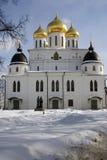 1507 1533年假定建立了大教堂年 克里姆林宫在Dmitrov,古镇在莫斯科地区 免版税库存图片